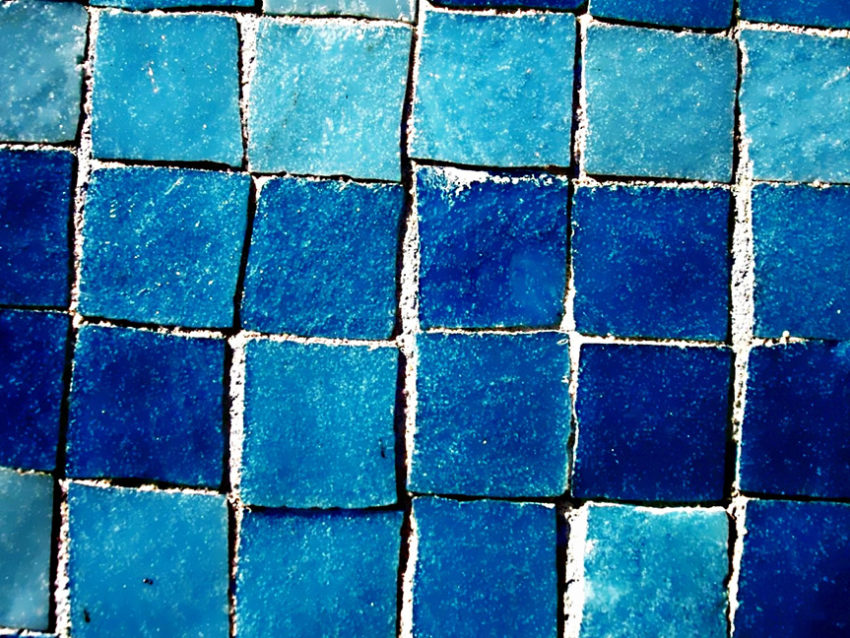 Square blue tiles in different shades of blue