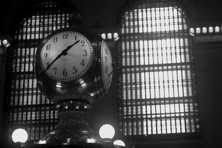 Photograph of clock at Grand Central Station. Robert Hoge / Creative Commons