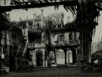 A ruined palace, backdrop from La Gioconda. The Victrola Book of the Opera, 1917.