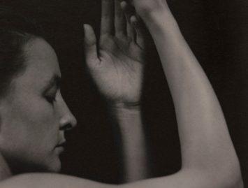 Alfred Stieglitz, Georgia O'Keeffe, ca. 1919-1920. Courtesy The Art Institute of Chicago.